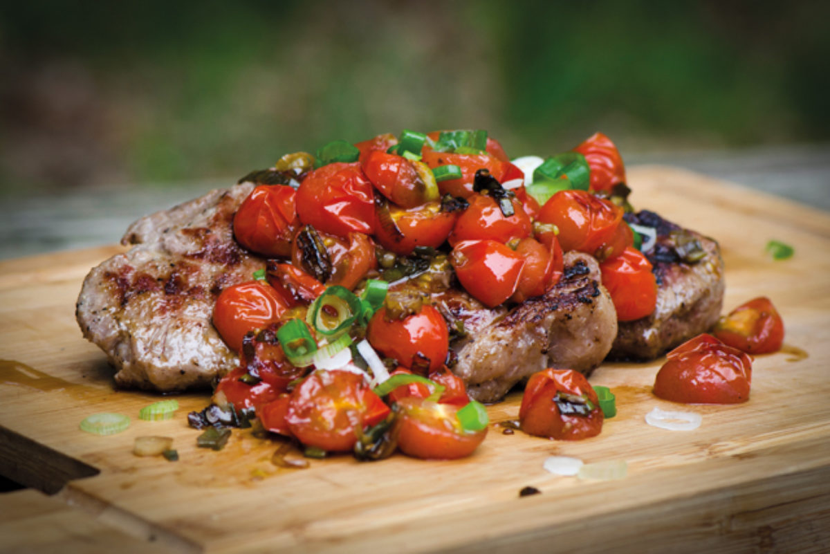Steaks with Tomato Salsa